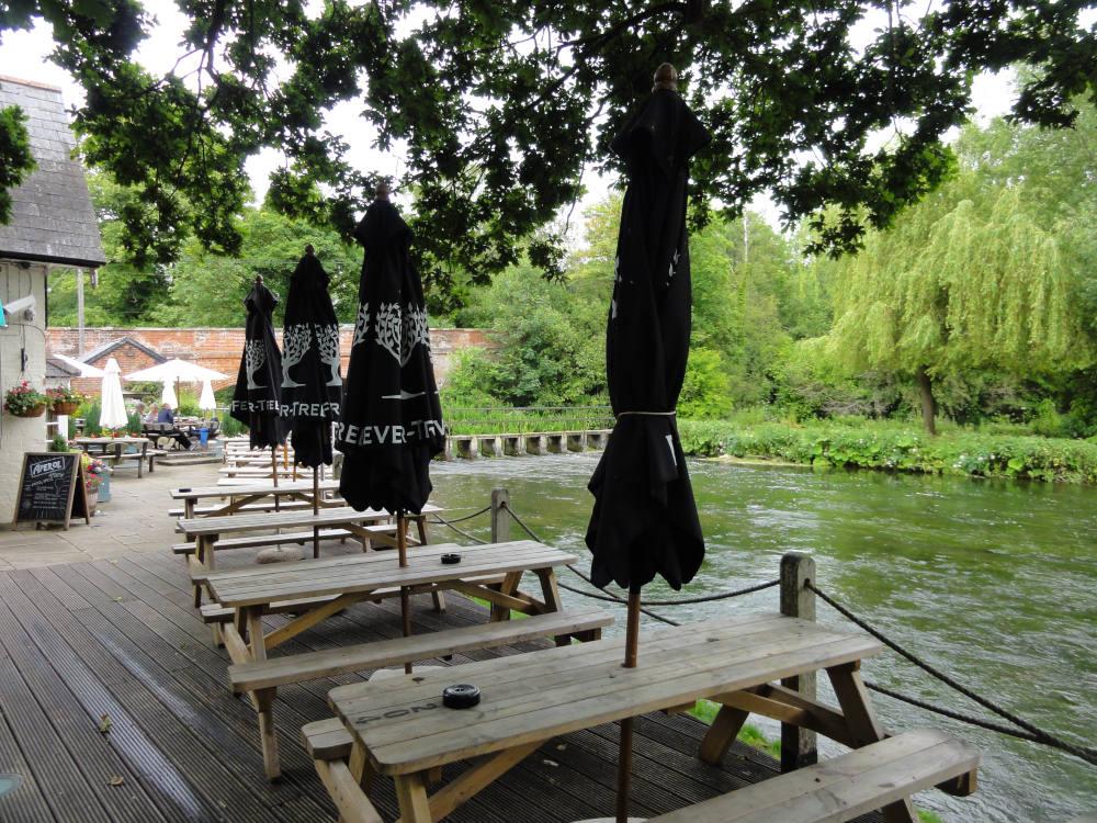The Mayfly – Stockbridge