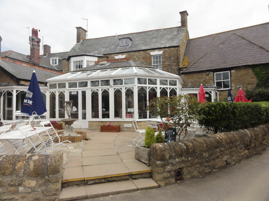 The Ilchester Arms – Abbotsbury